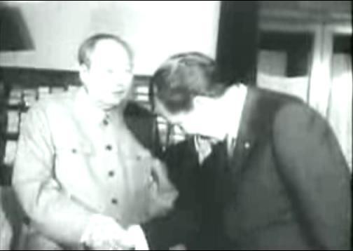 http://www.rumormillnews.com/pix5/7202_NixonBowToMao1.JPG